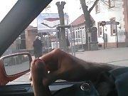 Gravação de Homem Batendo Punheta no carro