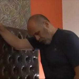 Maduro Peludo Enterrando a Vara no Sobrinho
