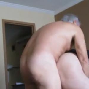 Maduro Encontra Amigo no Hotel e se Dá Bem