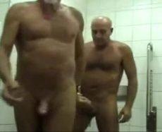 Comendo o Cú do Meu Velhão no Banheiro