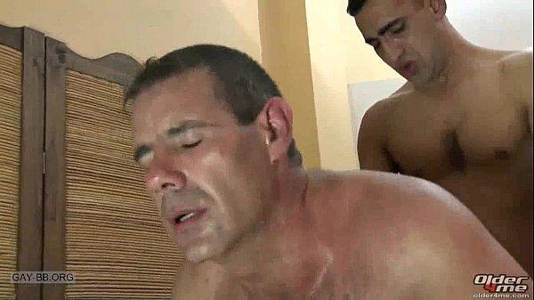Homens maduros transando