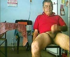 Caseiro da Fazenda do Meu pai Batendo Punheta