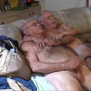Festa Gay na Casa dos Tios Coroas Gordos