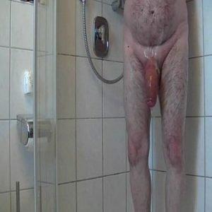 Safado Maduro Bem Dotado Tomando Banho