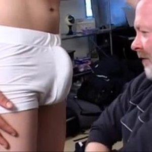 Brincando de Sexo com Filhão Dotado