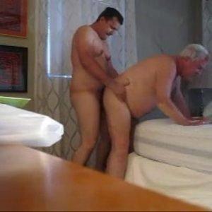 Metendo Rola no Gordão Maduro Gay Vovô