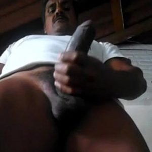 Negro Maduro Batendo Punheta em Casa