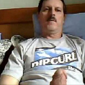 Coroa de bigode gostoso roludo e sacudo