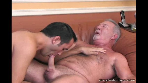 Chupando maduro gay pombudo gostoso