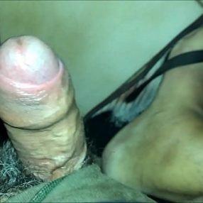 Flagra - Vídeo gay mostra homem mamando um uber