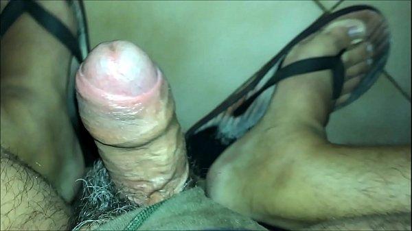 Flagra – Vídeo gay mostra homem mamando um uber