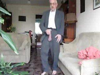 Grande rola do velho gay se masturbando