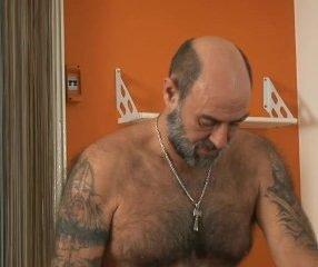 Papai gay executivo sendo mamado por funcionário