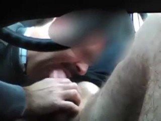 Daddy me chupou no carro até gozar