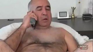 Maduro argentino gay sendo mamado