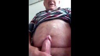 Homens idosos gays gozando muita porra